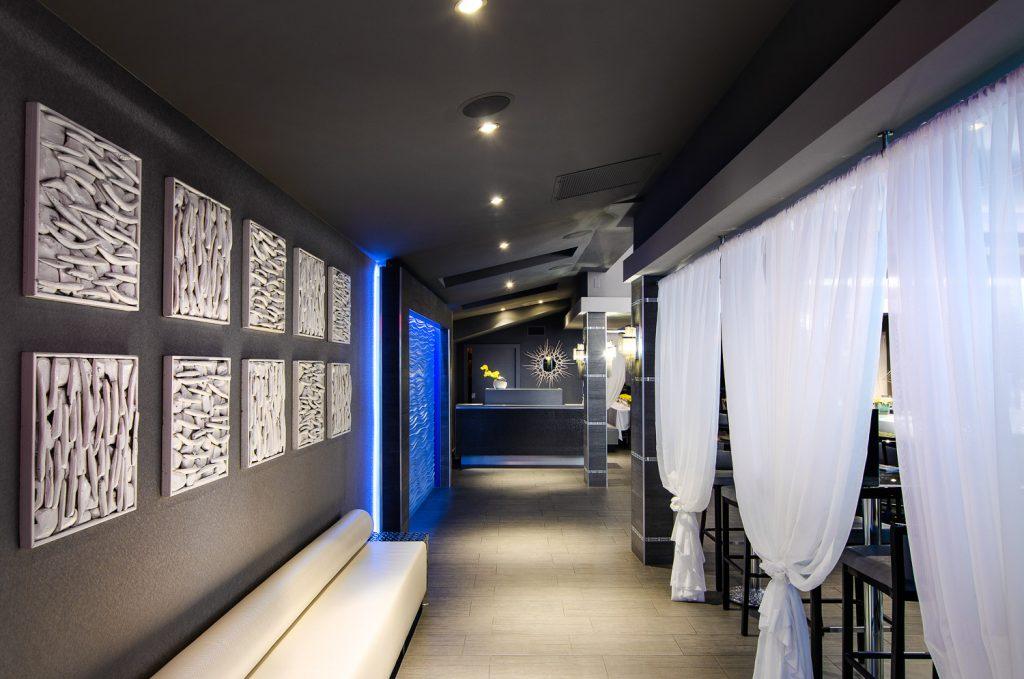 Hallway looking at Marina cafe reception area